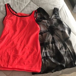 2 pack workout shirts w/ built in bra